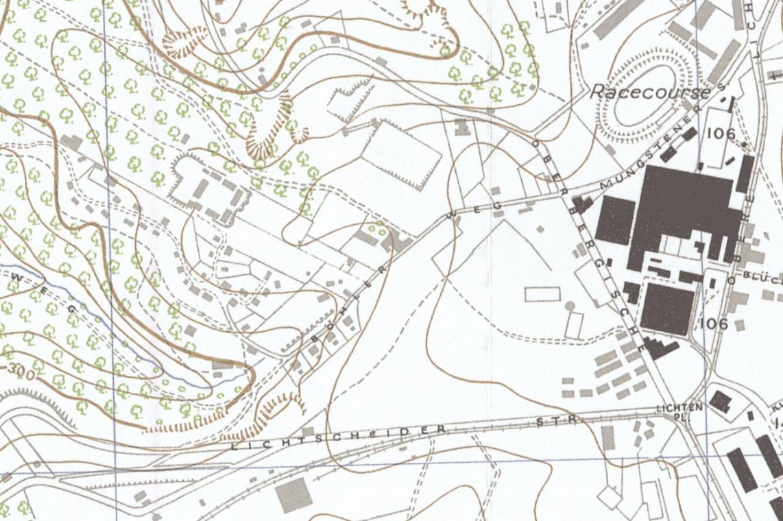 Die Britische Ordonance Survey Map Wuppertal von 1945. Das Barackenlager am Ende des Bergfriedens ist ebenso eingezeichnet wie das neue Werkslager an den Oberbergischen Straße / Lichtenplatzer Straße gegenüber dem Vorwerk & Sohn Gummiwerks.