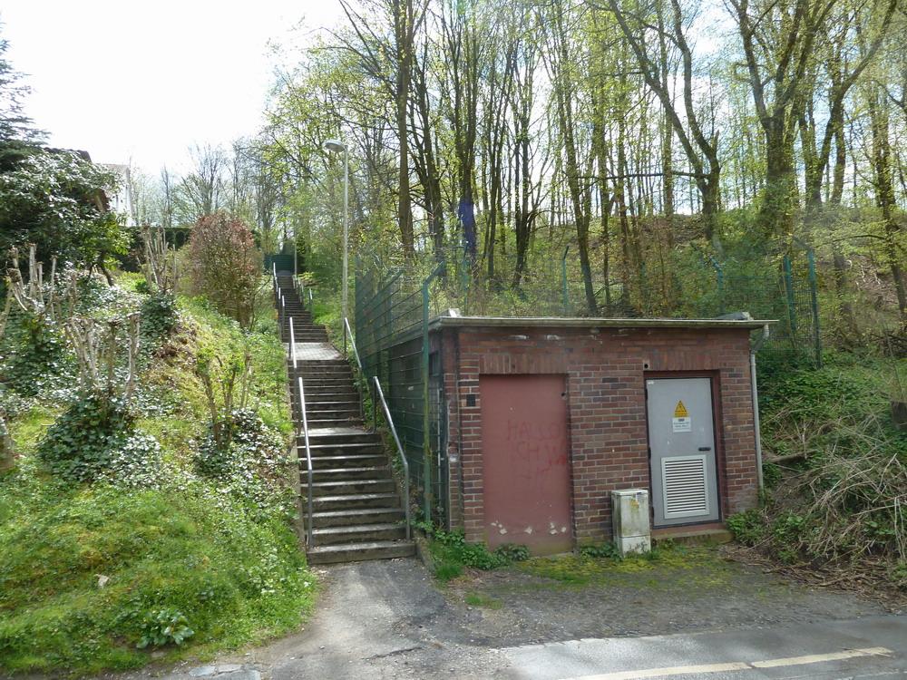 Die Treppe vom Böhler Weg zur Oberen Böhle / Lichtscheider Straße.
